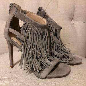 STEVE MADDEN Fringly Taupe Sandals